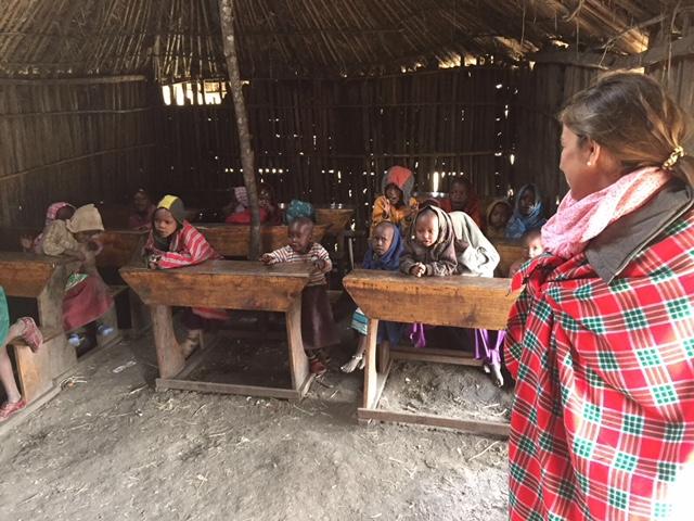escuela de un poblado masai