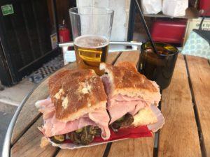 Super bocata en un bar de Venecia