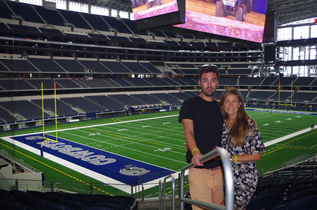 Dentro de AT&T stadium